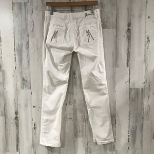 MARCIANO White Pants with Gold Trim Size 31